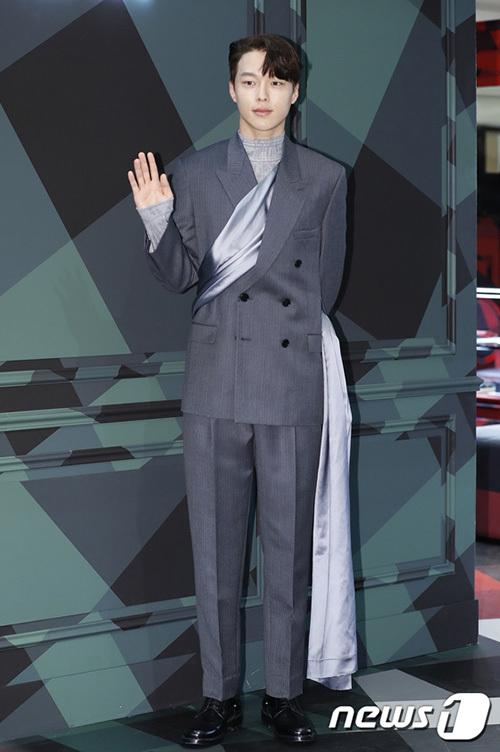 Nam diễn viên Jang Ki Yong cũng là khách mời trong sự kiện. Anh chàng đang gây chú ý nhờ vai chính trong bộ phim Search: WWW.