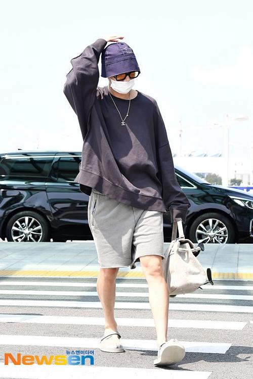 J-Hope khiến fan BTS náo loạn vì bất ngờ xuất hiện ở sân bay