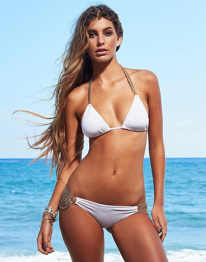 <p> Cô thường xuyên diện bikini hai mảnh khoe làn da ngăm săn khỏe.</p>