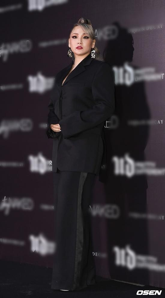 Vắng bóng đã lâu, CL (2NE1) bất ngờ lộ diện với thân hình phì nhiêu gây tranh cãi - 1