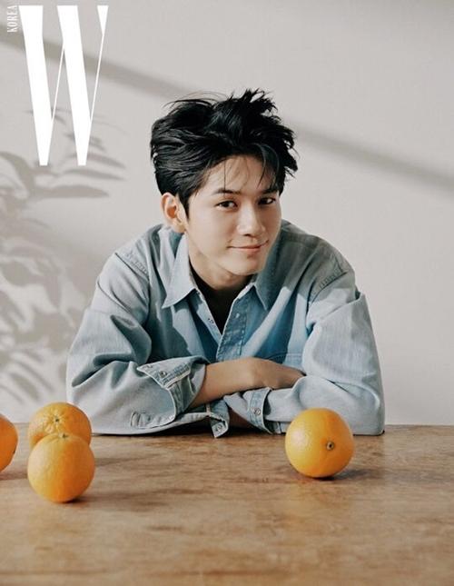 Hyun Bin, Chae Young (Twice) và dàn sao Kbiz trên tạp chí tháng 9 - 9