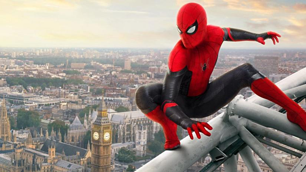 Tom Holland trong Spider-Man: Far From Home.