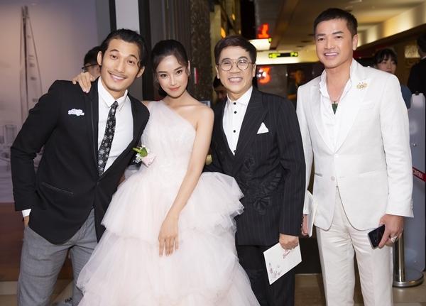 Sự kiện có sự tham gia của dàn diễn viên chính gồm NSƯT Thành Lộc, Quang Minh, Hoàng Yến Chibi, Liên Bỉnh Phát.
