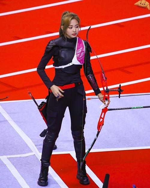 Xét về tỷ lệ cơ thể, Tzuyu vẫn được đánh giá cao hơn Irene.