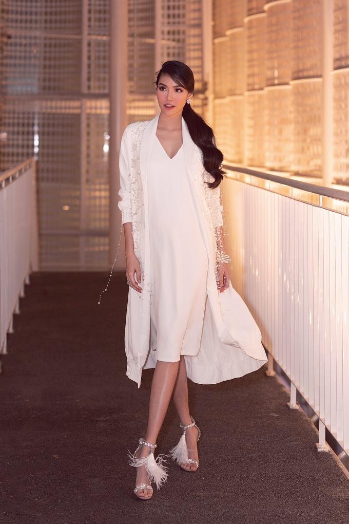 <p> Tối 24/8, Lan Khuê đến tham dự đêm mở màn Vietnam Junior Fashion Week - Tuần lễ thời trang trẻ em Việt Nam mùa 9 - do siêu mẫu Xuân Lan sáng lập.</p>