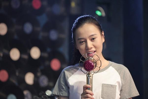Phương Oanh vào vai Mai trong phim Ngược chiều nước mắt.