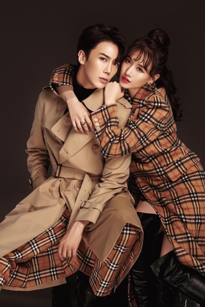 <p> Park Jung Min là thành viên của nhóm nhạc SS501, từng được khá nhiều bạn trẻ Việt Nam biết tới. Trong loạt ảnh mới, Hari Won không ngại thể hiện những động tác ôm vai, bá cổ, má kề má... với tài tử xứ Hàn như tình nhân.</p>