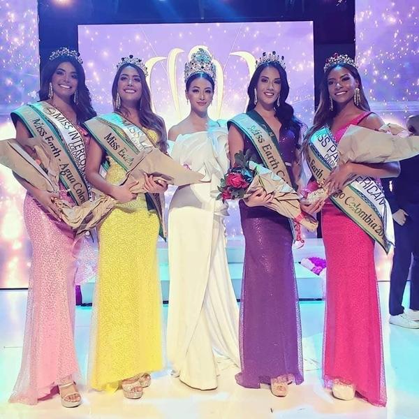 Vừa qua, Hoa hậu Trái đất Phương Khánh có mặt tại đêm chung kết Miss Earth Colombia 2019 với vai trò ban giám khảo. Cô cùng các giám khảo khác đã chọn ra được Yenny Carrillo (thứ hai phải sang) - đăng quang ngôi vị Hoa hậu. Cô sẽ đại diện cho quốc gia Nam Mỹ tham gia Miss Earth 2019 vào tháng 10 tới đây.