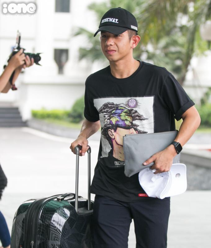 <p> Nguyễn Phong Hồng Duy xuất hiện cùng các đồng đội ở HAGL.</p>