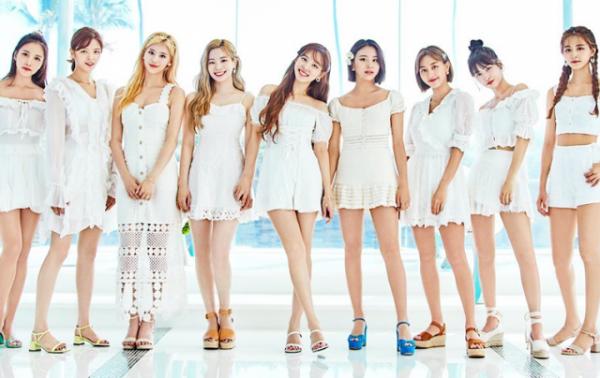 Twice sẽ trở lại vào tháng 9 với mina album.