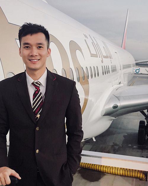Nguyễn Mạnh Tuấn - tiếp viên hàng không hãngEmirates Airline.