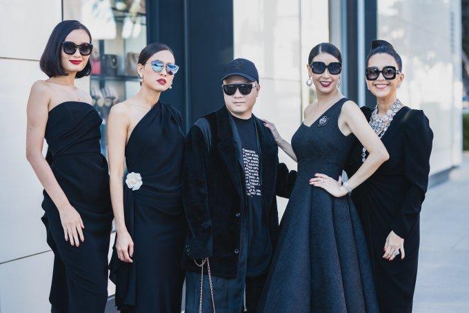 Lê Thúy dạo phố ở Mỹ cùng các hoa hậu
