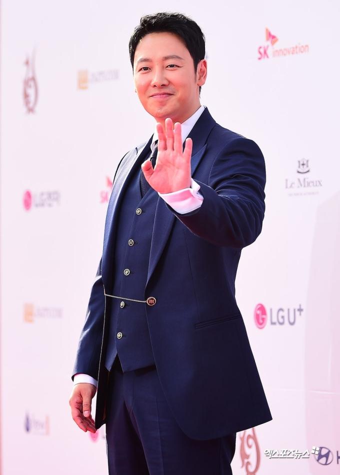 <p> Nam diễn viên Kim Dong Wook.</p>
