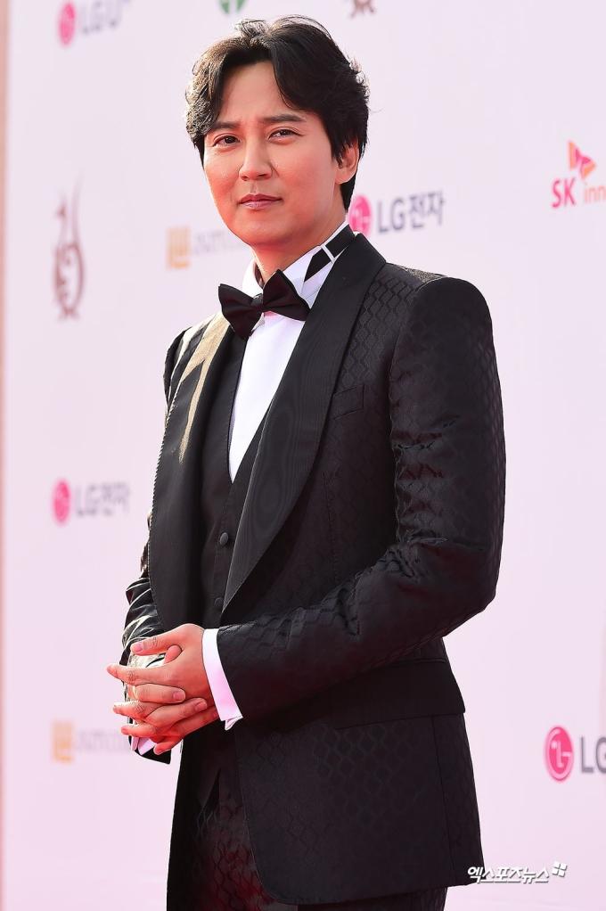 <p> Nam diễn viên Kim Nam Gil.</p>