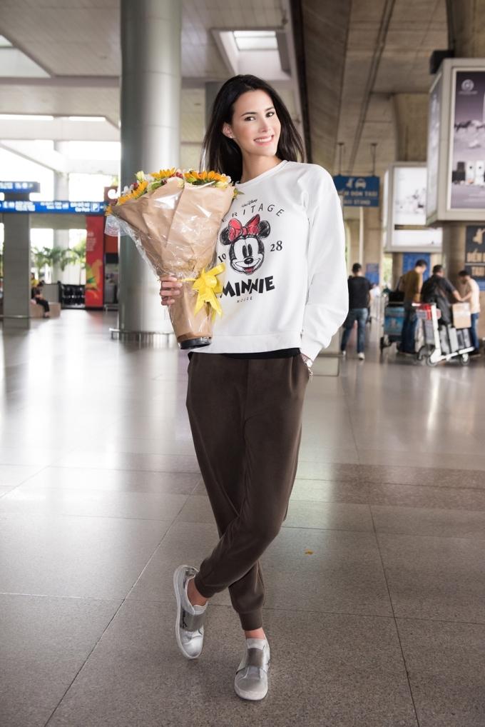 <p> Mariem Velazco đến từ Venezuela, đăng quang Miss International 2018 tại Nhật Bản. Cô cao 1,77m, là người mẫu chuyên nghiệp. Điểm dễ nhận dạng ở người đẹp này là nụ cười rạng rỡ, ánh mắt biết nói.</p>