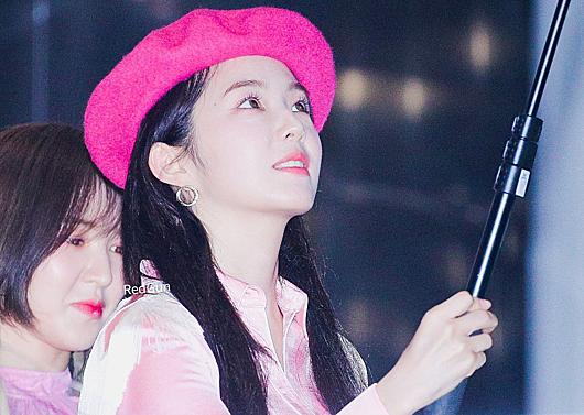 Nữ idol sinh năm 1991 luôn xếp hạng cao trong những cuộcbình chọn nhan sắc. Cô được ca ngợilà mỹ nhân xinh đẹp số một Kpop hiện nay nhờ sở hữu gương mặt hoàn hảo.