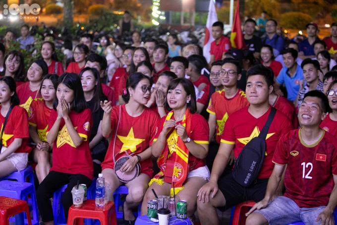 <p> Tối 5/9, đội tuyển bóng đá Việt Nam gặp Thái Lan trong khuôn khổ vòng loại thứ hai World Cup 2022.</p>