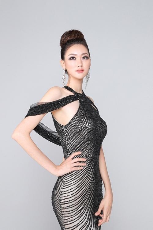 Lee Yeon Joo cao 1,78 m. Tuy nhiên, nhan sắc của cô không được đánh giá cao. Bên cạnh vương miện hoa hậu cho Lee Yeon Joo, ban tổ chức cũng trao thêm ba vương miện Áhậu Hoàn vũ cho Kim Seung Hyun, Park Ha Ri và Ha Seo Bin.
