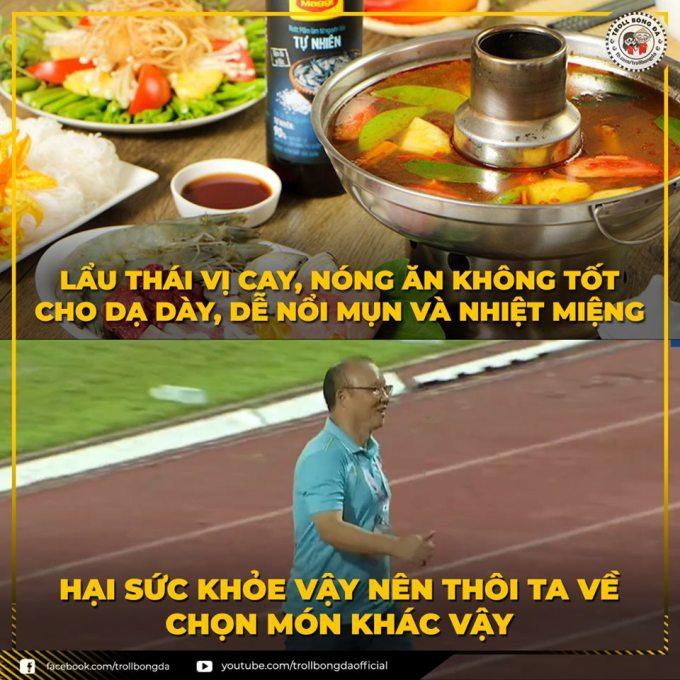 """<p> Trước trận đấu với Thái Lan, người hâm mộ Việt Nam háo hức chờ đợi """"Ông Seo vê lốc"""" cho ăn """"lẩu Thái"""". Đáp trả, """"Ông Seo"""" cho rằng ăn lẩu thái nhiều cũng không tốt.</p>"""