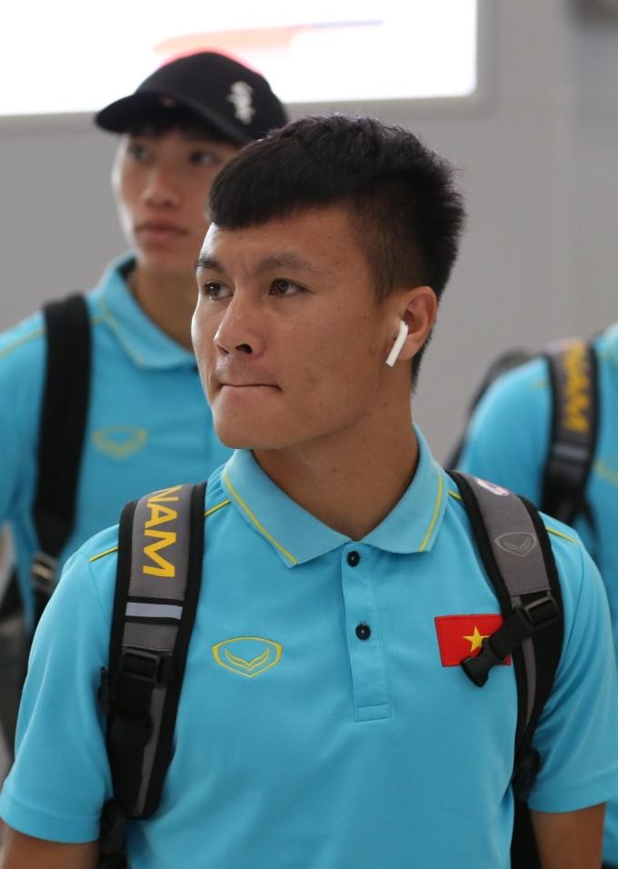 <p> Quang Hải không có nhiều dấu ấn trong trận đấu tối 5/9 khi đối đầu với Chanathip.</p>