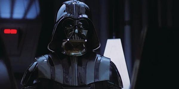 Darth Vader từng được thể hiện bởi các diễn viên: David Prowse, James Earl Jones (lồng tiếng), Bob Anderson (đóng thế), Hayden Christensen (Anakin thời trẻ trong Episode II và Episode III).