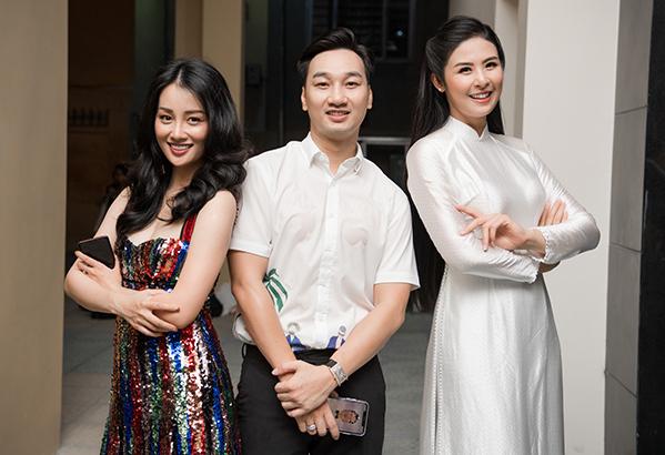 MC Thành Trung và MC Quỳnh Chi, hai cựu học sinh của trường cũng hội ngộ Ngọc Hân trong chương trình.