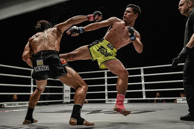 <p> Đối thủ của Duy Nhất là Azwan Che Wil, người Malaysia. Họ thi đấu ở hạng mục Muay Thái hạng Flyweight.</p>