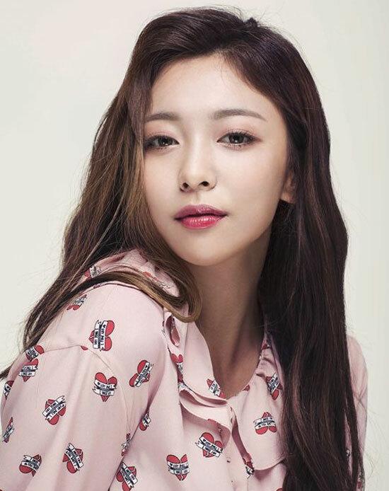 Nhìn mặt chỉ tên những nghệ sĩ solo trong Kpop (2) - 3