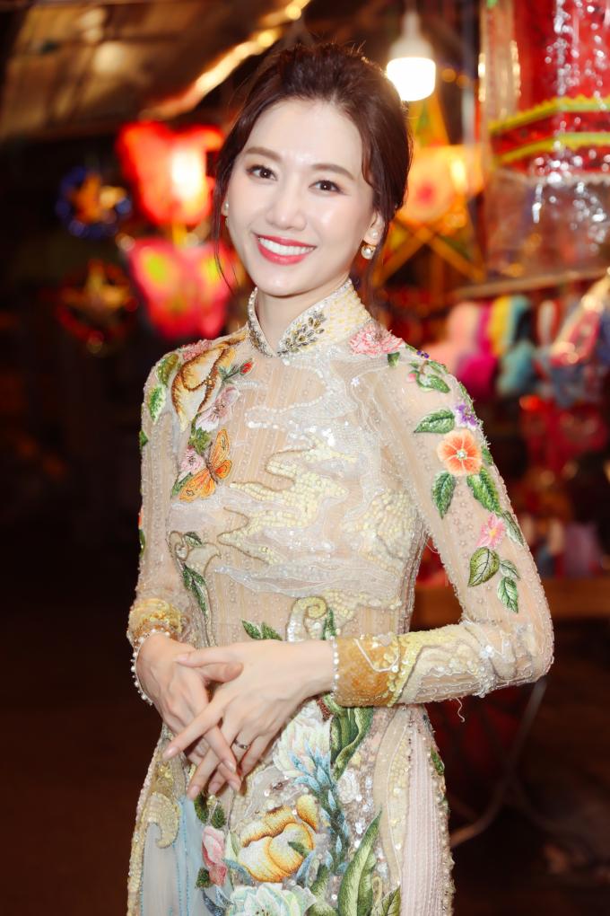 <p> Ảnh: Mr. Bil, Stylist: Phạm Bảo Luận.</p>