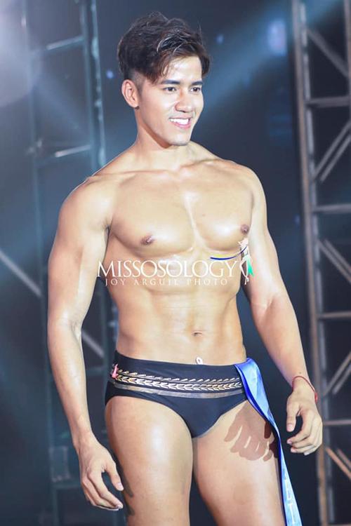 Ít ai biết rằng để có được thân hình lực lưỡng, cơ bắp cuồn cuộn này, Lâm Quách chỉ tập gym và ăn chay trường. Anh được mọi người gọi với nickname chàng sư tử ăn chay để bày tỏ sự khâm phục.
