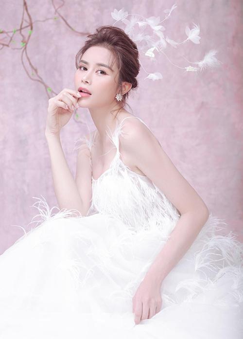 Hoa hậu Sella Trương biến hóa từ mong manh đến sexy - 4