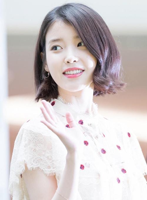 Fan tranh cãi IU xinh hơn với tóc dài hay tóc ngắn - 9