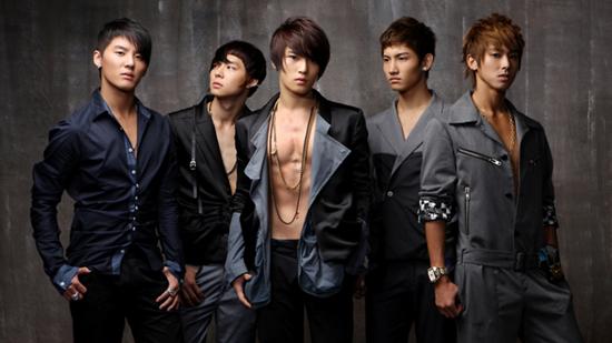 TVXQ đạt đỉnh cao trong sự nghiệp với album Mirotic.