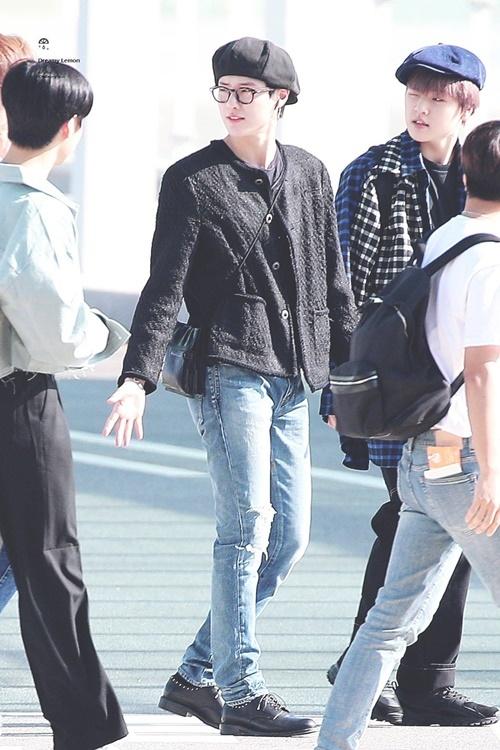 Cho Seung Youn là thành viên nổi tiếng với gu thời trang độc đáo.