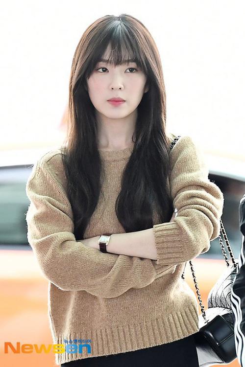 Irene chinh phục netizen bằng nhan sắc đỉnh cao như chụp tạp chí khi ra sân bay.