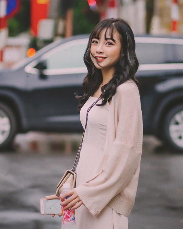 <p> Dù chiều cao không mấy nổi bật, Nhật Linh thu hút người đối diện nhờ đôi mắt to, khuôn mặt xinh xắn.</p>