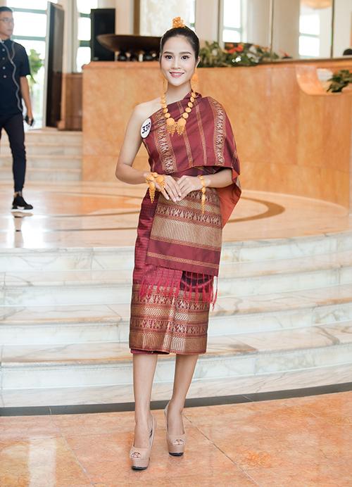 Thí sinh Un Thị Loi, sinh năm 2000 trong gia đình có mẹ là người Lào, bố thuộc dân tộc Giẻ Triêng.