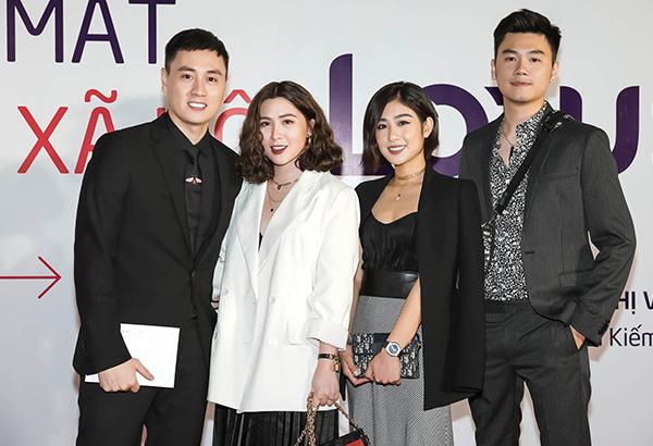 Hai gia đình Kiên Hoàng - Heo Mi Nhon và Trang Lou - Tùng Sơn tụ hội.