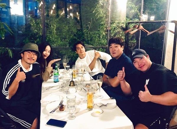 Dàn cast của The Player gồm Song Seung Hun, Krystal, Lee Si Eon, Tae Won Suk và đạo diễn Go Jae Hyun hội ngộ.