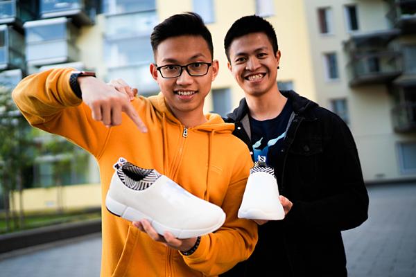 Chu Hoàng Sơn (áo cam) và Trần Bảo Khánh (áo đen) đồng sáng lập ra Rens. Ảnh: NVCC