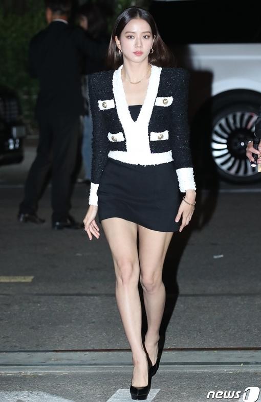 Ji Soo, Kang Daniel gây sốt khi xuất hiện tại sự kiện