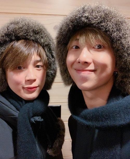 RM và Ji Min có tạo hình giống nhau như hai anh em.