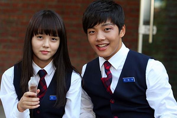 Cặp đôi Lee Soo Yeon và Han Jung Woo khi còn đi học.