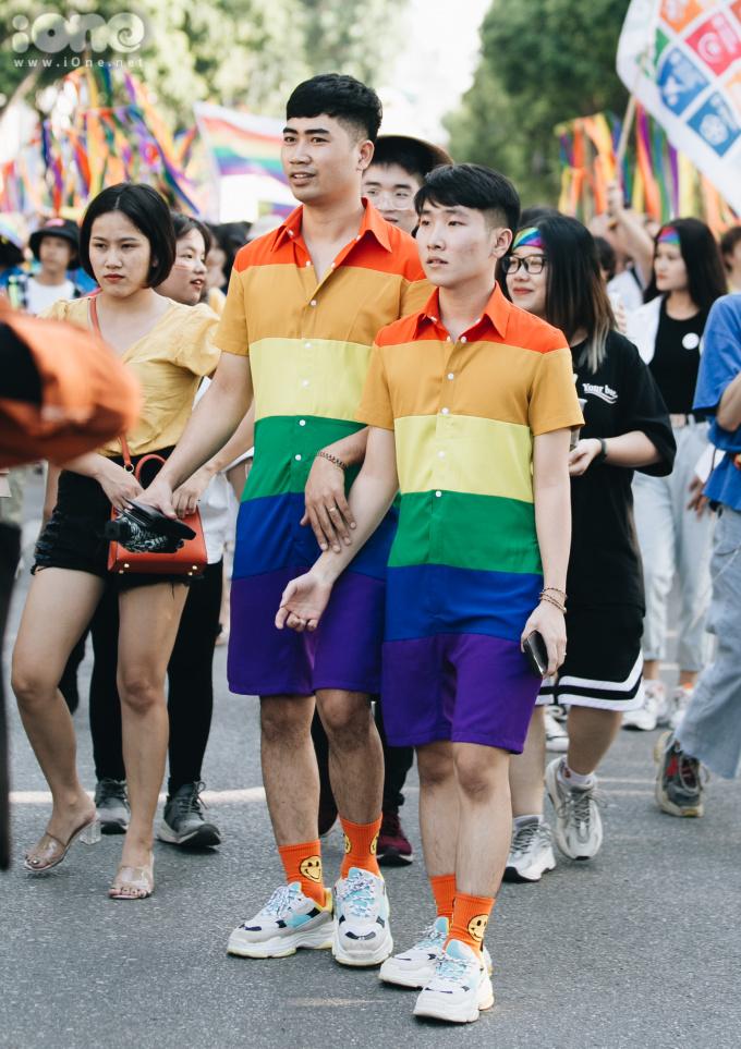 <p> Đây còn là dịp để các cặp đôi trong cộng đồng LGBT được thể hiện tình cảm với nhau một cách thoải mái.</p>