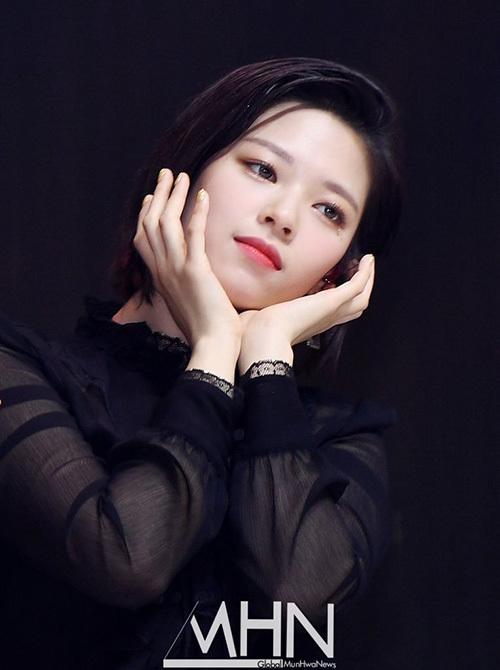 Jeong Yeon.