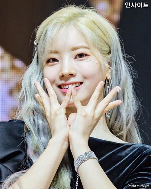 Da Hyun nhận nhiều lời ca ngợi về ngoại hình trên các diễn đàn Kpop.