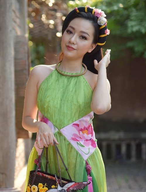 Diễn viên trẻ Băng Di vào vai bà Ba (vợ ba của Bá Kiến). Để có được vai diễn này, Băng Di đã phải tham gia casting nhiều lần.