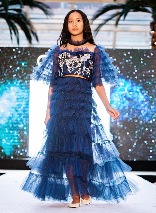 Mới đây, NTK Thảo Nguyễn nhận được lời mời trình diễn bộ sưu tập tại London, nước Anh. Cô là nhà thiết kế Việt Nam duy nhất tham gia chương trình do công ty sự kiện truyền thông House of ikons tổ chức - một trong những chuỗi show thời trang trẻ em trong khuôn khổ tuần lễ thời trang lớn London Fashion Week.