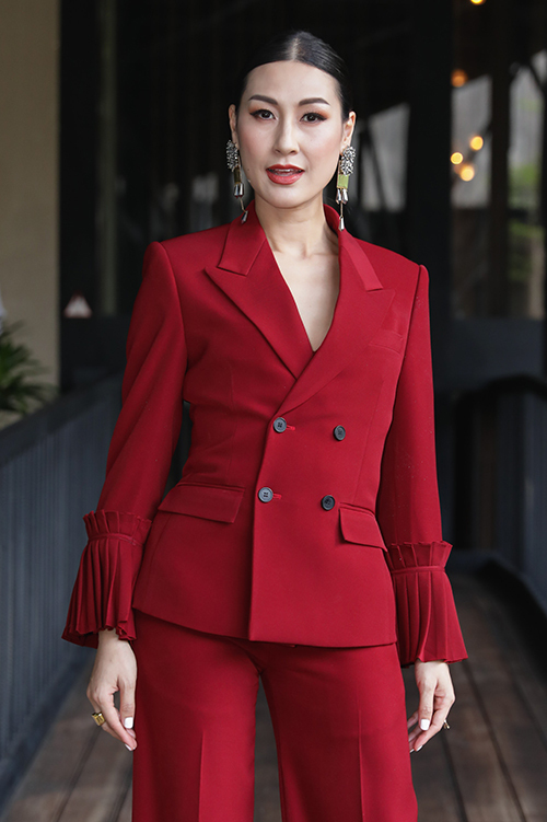 Đạo diễn Kathy Uyên cho biết phim hứa hẹn sẽ mang đến những cú twist bất ngờ.