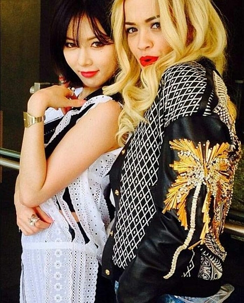 Hyuna và Rita Ora.